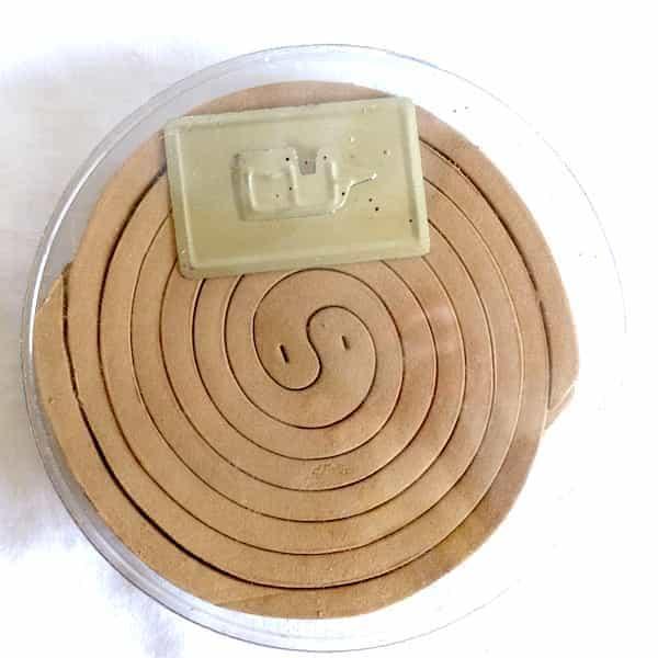 rouleaux spirales répulsifs moustiques dans sa boite