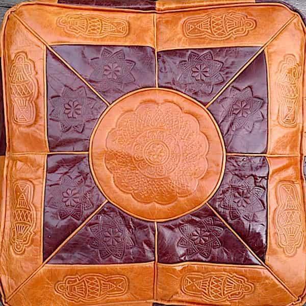 assise Housse cuir caramel et marron pour pouf carré 43 h.38