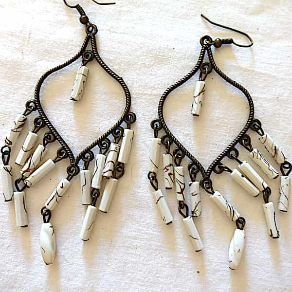 Boucles D'oreilles Cœur Perles Blanches En Guirlandes