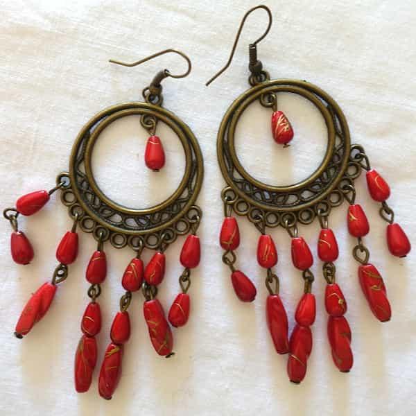 Boucles D'oreille Créoles Perles Rouges Dansent