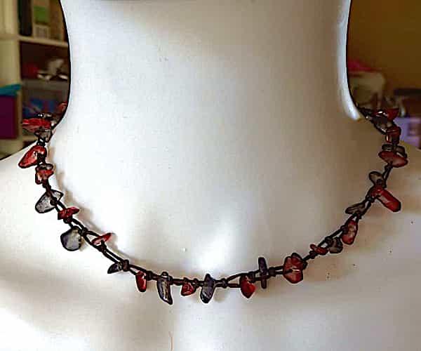 collier ras du cou 1 rang rouge et gris d.21cm 1