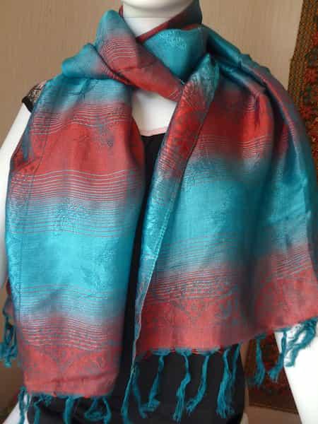foulard de soie camaïeux turquoise et rouge 160x60 (1)