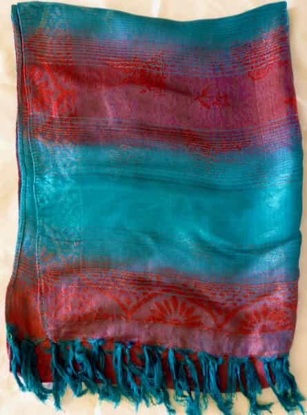 foulard de soie camaïeux turquoise et rouge 160x60