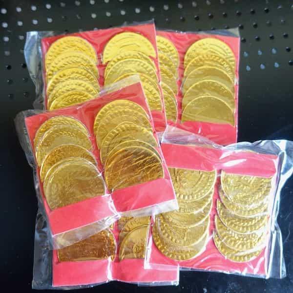 cinquante pièces d'or pour le jour de l'an chinois
