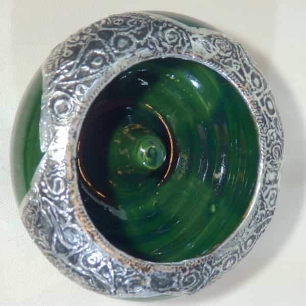cendrier vert céramique et métal d.13 cm défaut 1